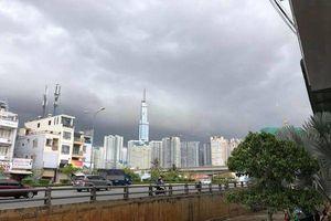 Hôm qua còn lai rai, hôm nay đã có mưa toàn diện rộng trên khắp Sài Gòn!