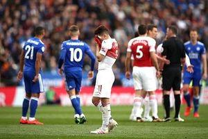 Thảm bại trước Leicester, Arsenal xa dần top 4