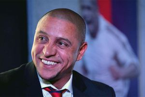 Roberto Carlos, Rio Ferdinand, Luis Figo đến Việt Nam tháng 6 tới