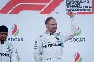 Mercedes làm nên lịch sử với chiến thắng thứ tư liên tiếp