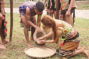 Lễ mừng lúa mới của người S'tiêng