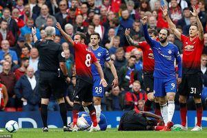 M.U và Chelsea 'níu chân nhau', nín thở chờ lấy vé tham dự Champions League