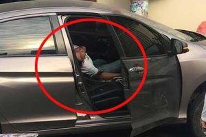 Clip: Tài xế 'phê' ma túy, nằm sùi bọt mép sau khi gây tai nạn