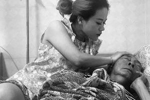 Sức khỏe nghệ sĩ Lê Bình chuyển biến xấu, phải tạm ngưng hóa trị