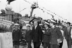 Đại tướng Lê Đức Anh - Vị tướng luôn theo sát chiến trường