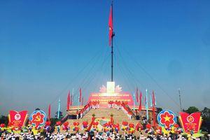 Trang trọng lễ thượng cờ bên bờ sông Bến Hải