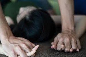 Thiếu nữ bị bạn trai mới quen ép vào nghĩa địa để hiếp dâm