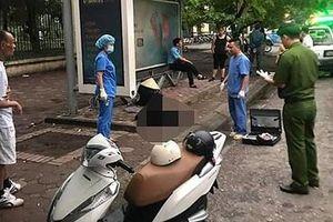 Truy tìm danh tính người đàn ông tử vong tại bến xe buýt ở Hà Nội