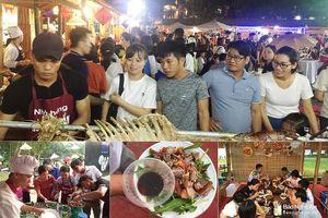 Cháo lươn, giò bê Nghệ An hút khách ở Festival Huế dịp lễ
