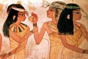 Ngược dòng lịch sử tìm về nguồn gốc nước hoa