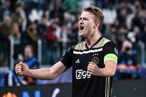 Đội trưởng Ajax lập kỷ lục cho riêng mình tại Champions League