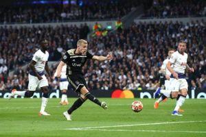 Ajax Amsterdam đả bại Tottenham 1-0 trên sân khách