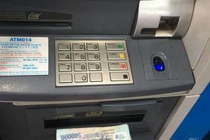 Ngân hàng kích hoạt 'cuộc chiến' giảm phí dịch vụ về... 0 đồng