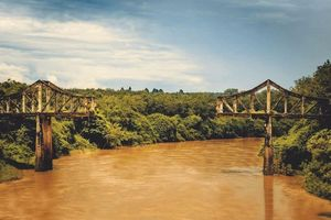 Cây cầu gãy Sông Bé: Dấu tích lịch sử vang dội năm 1975, bây giờ ra sao?