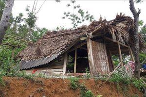 Lốc xoáy, lũ quét gây nhiều thiệt hại tại Lào Cai