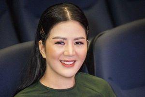 'Bông hồng quyền lực' Đinh Hiền Anh: 'Danh xưng chính của tôi là ca sĩ'!