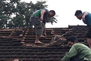 Nghệ An - Hà Tĩnh: Lốc xoáy, hàng chục nhà dân bị tốc mái gây thiệt hại lớn về kinh tế