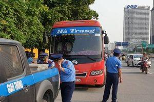 Hà Nội: Bắt xe khách 29 chỗ nhồi 73 khách