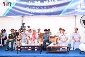 Đoàn công tác tàu Lê Quý Đôn thăm và giao lưu với Hải quân Indonesia