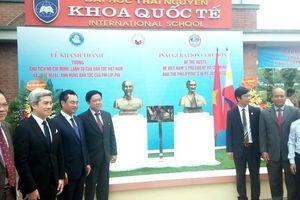 Đặt tượng Chủ tịch Hồ Chí Minh và Anh hùng dân tộc Philippines José Rizal tại Thái Nguyên