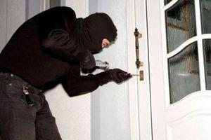 'Bắt tay' với đối tượng người Trung Quốc trộm cắp hơn nửa tỷ đồng
