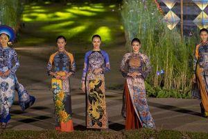 'Gái hư' Hồng Quế nền nã đến lạ trong tà áo dài lấy cảm hứng từ văn hóa triều Nguyễn