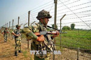 Đấu súng dữ dội giữa quân đội Ấn Độ và Pakistan