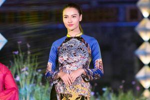 Hồng Quế gây bất ngờ với hình ảnh cô gái Huế dịu dàng