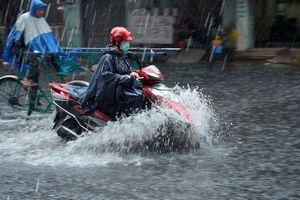 Nhiều địa phương chịu thiệt hại do dông lốc
