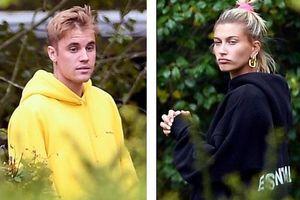 Justin Bieber cười tươi, vui vẻ ra phố cùng vợ và thú cưng
