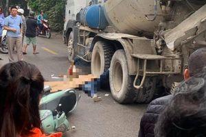 Hà Nội: Vừa đi xe máy vừa sử dụng điện thoại, người phụ nữ giật mình ngã xuống đường bị xe bồn cán tử vong