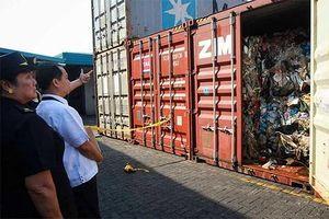 Quan hệ Philippines và Canada lại trắc trở vì... rác thải