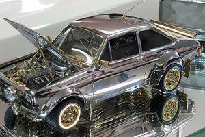Cận cảnh chiếc ô tô bằng vàng, kim cương được hoàn thành suốt 25 năm ròng rã