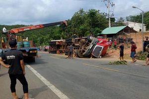 Bình Phước: Xe container lật, đè chết 2 anh em ruột