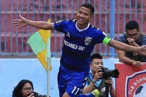 Thêm nhà vô địch AFF Cup từ chối khoác áo tuyển Việt Nam