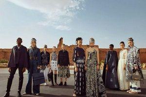 Chân dài Karlie Kloss nổi bật bên cạnh dàn mỹ nhân tại show diễn Dior Cruise 2020