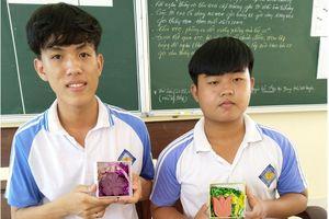 Tiền Giang: Học sinh cấp 3 sáng chế thành công xà phòng diệt khuẩn từ dây vác