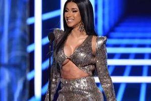 Cardi B diện loạt trang phục gợi cảm dự sự kiện