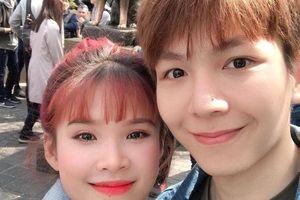 Vợ chồng Khởi My - Kelvin Khánh đi đầu trong trào lưu cười haha