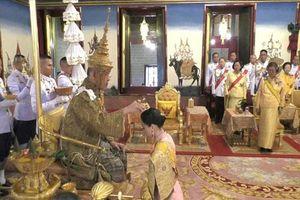 Quốc vương Thái Lan Maha Vajiralongkorn đăng quang, tuyên bố sẽ 'cai trị bằng chính nghĩa'