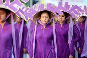 Xung quanh dư luận nón Huế bị 'cắm sừng'