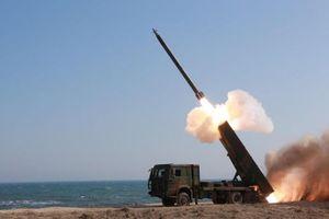 Triều Tiên bất ngờ phóng hàng loạt tên lửa bí ẩn trong suốt 20 phút?
