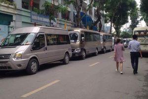 CA phường Mỹ Đình 2 'bỏ qua' vi phạm những xe đưa đón học sinh?