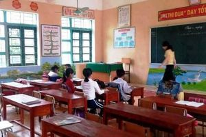 Hàng trăm học sinh không dám đến trường sau vụ 6 cô trò bị đâm