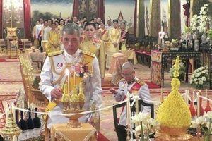 Nhà vua Thái Lan bắt đầu thực hiện nghi lễ đăng quang