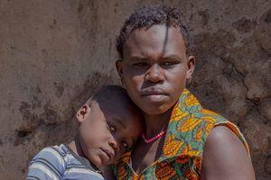 Gia đình không đàn ông: Phụ nữ Tanzania cưới nhau để tránh bạo hành