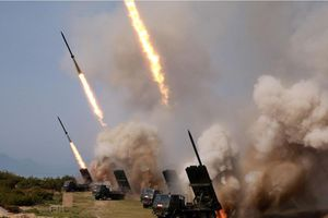 Lãnh đạo Triều Tiên trực tiếp giám sát thử giàn phóng tên lửa đa nòng