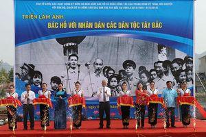 Triển lãm ảnh Bác Hồ với nhân dân các dân tộc Tây Bắc