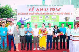 Tưng bừng khai mạc Giải bóng đá truyền thống Quảng Bình Khu vực Nam bộ