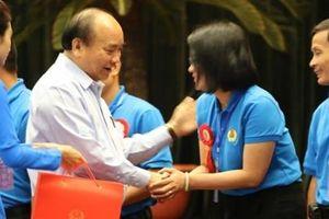 Thủ tướng Nguyễn Xuân Phúc: Đội ngũ công nhân đóng vai trò quan trọng trong xây dựng đất nước.